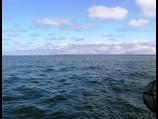 Tolstame nuo kranto.
